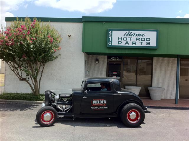 Alamo Hot Rod Parts in San Antonio. Neglected to get a picture when we were here on Thursday so returned for the proof.