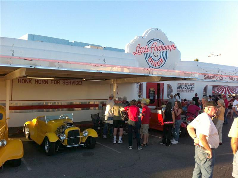 Little Anthony's Diner in Tucson. Good turnout from the local club and our Road Tour members.Diner