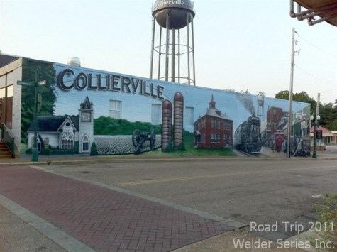 Collierville - beautiful mural on the side of the building.