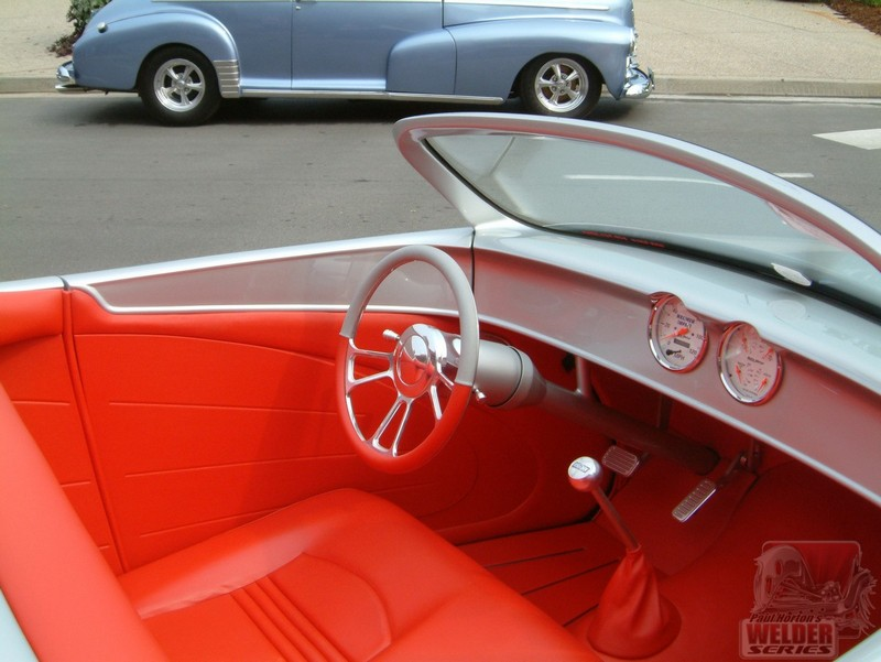 The steering wheel matches the two-tone interior.