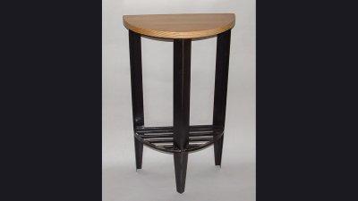 table-halfcircle