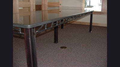 table-largeconfer4