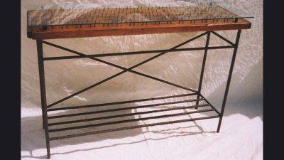 table-pegsonboard