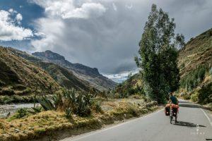 Cycling route Huanuco to Huaraz, cycling along Rio Marañon in Peru