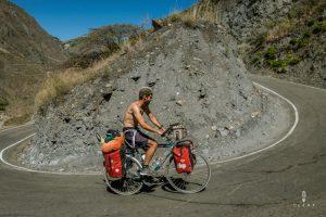 steile klimmen in Peru op de mooie fietsroute in Peru