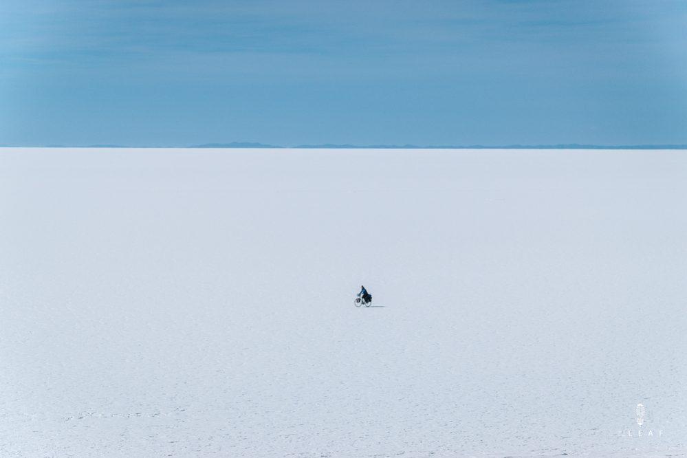 oneindige zoutvlakte van Uyuni met de fiets
