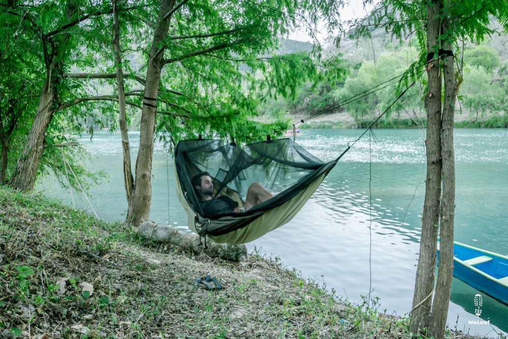 lakeside camping in Amazonas Moskito-Traveller Thermo hammock