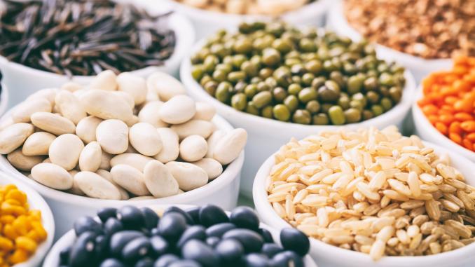 Hülsenfrüchte pflanzlich vegan Ernährung Protein Kohlenhydrate Eisen Nährstoffe Leguminosen Ernährungsberatung