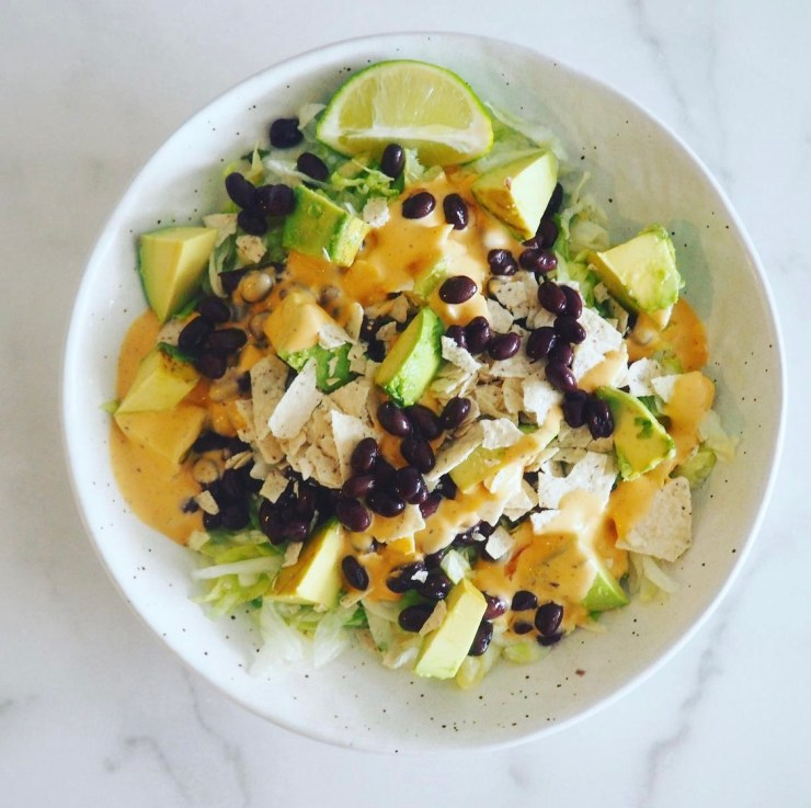 healthy recipe you can make in less than 5 minutes: spicy ranch salad