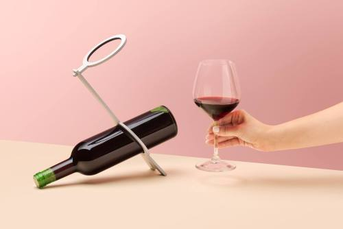 Metalowy stojak na dwa wina