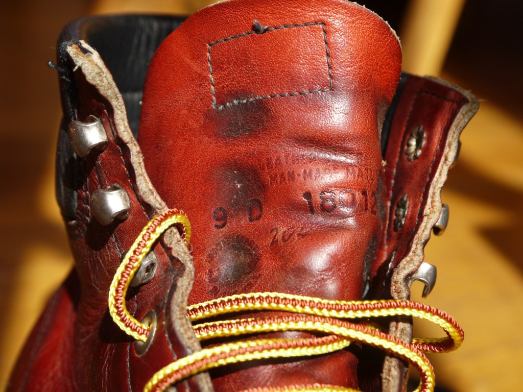 The size used to be stamped on the outside of the tongue, later Red Wing moved it to a label on the inside.