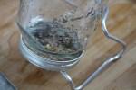 Körner im Keimglas an der Luft keimen lassen