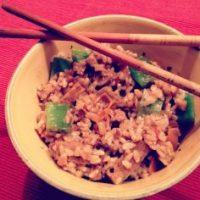 Arroz con verduras y seitán al wok