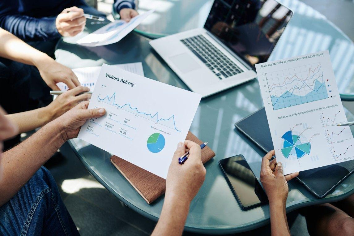 analyzing data analytics