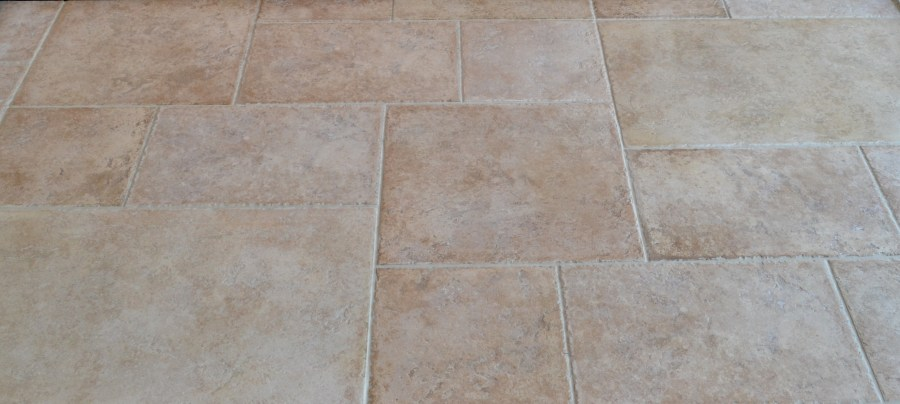 HOW DO I LAY STONE FLOOR TILES  PORCELAIN OR CERAMIC FLOOR TILES     DT DISPLAY final look