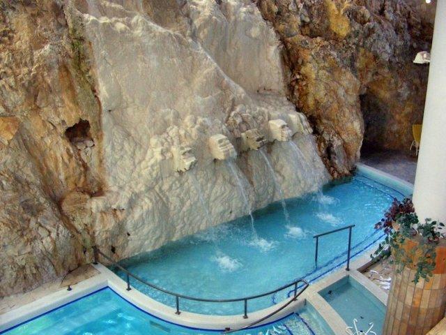 Banja i kupalište u pećini, Miškolctapolca Mađarska