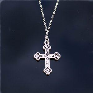 Verzilverde ketting Cross