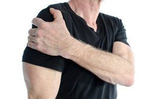 blog picture of older man with shoulder pain