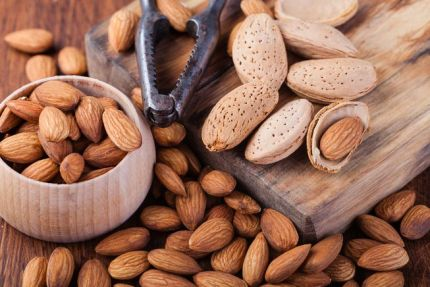 almonds_nut_cracker.jpg.653x0_q80_crop-smart