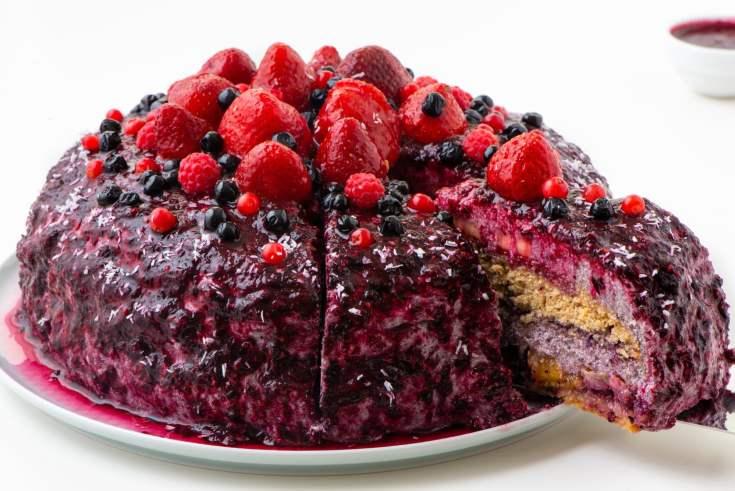 Vegan Fruity Blueberry Cake