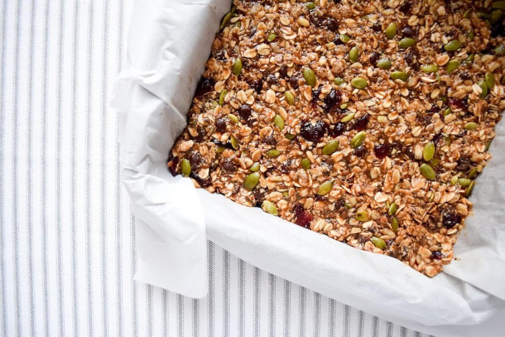 healthy homemade trail mix bar recipe