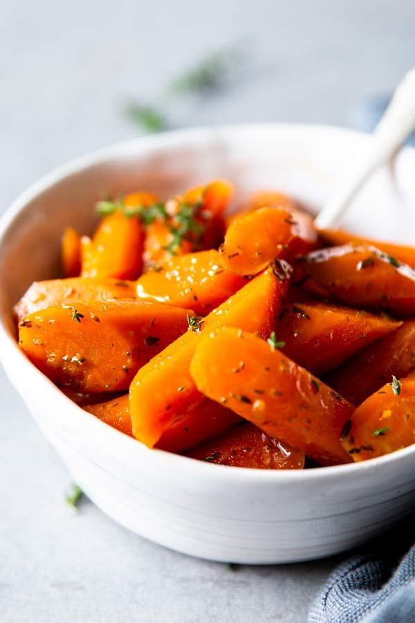 roasted carrots easy Thanksgiving side dishes