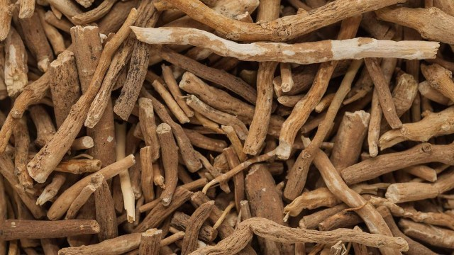 Ashwagandha, is a proven natural remedy to heal thyroid.
