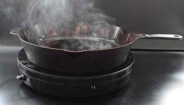 The Benefits of Cooking in Iron Utensils