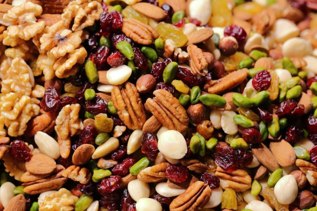 Energy Boosting Foods: Raw Nuts are Super Healthy.