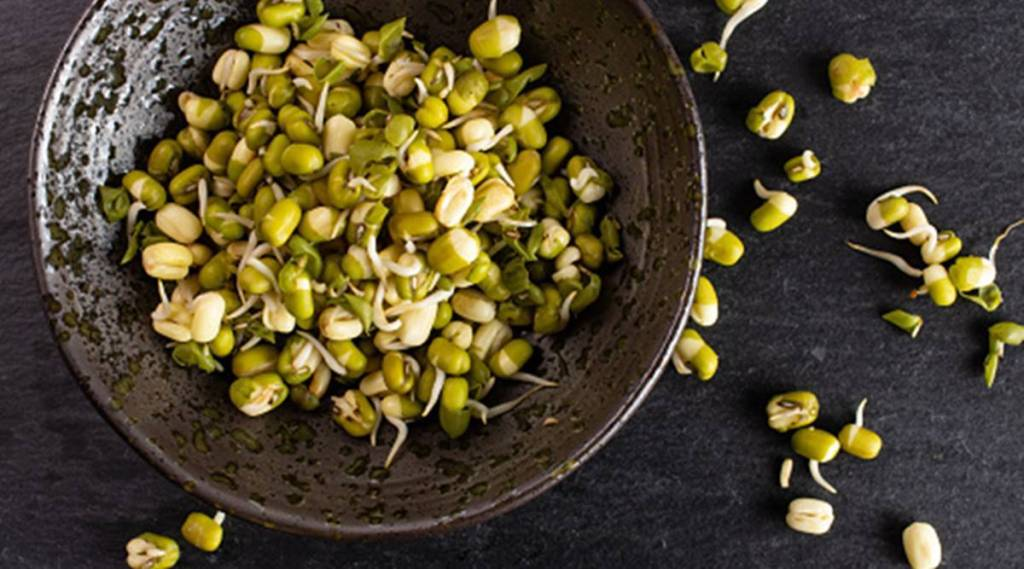 Sprout moong beans at home