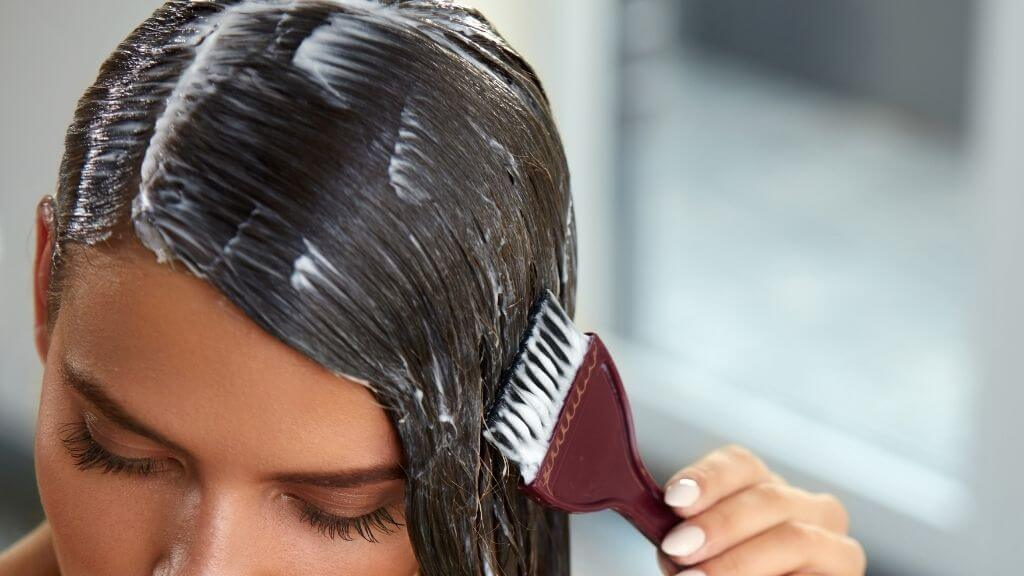 Curd hair mask that repair damaged hair.