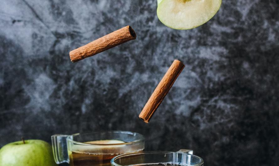 Apple Cinnamon Detox Water to Boost Metabolism