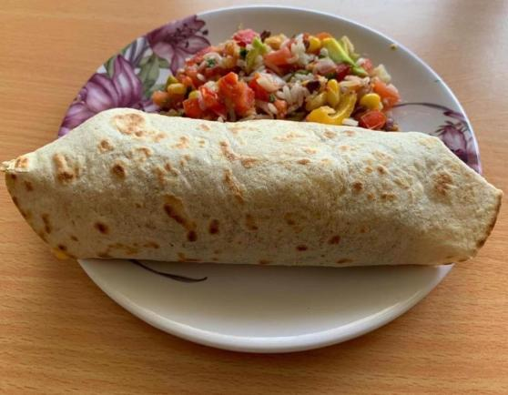 15 Indian Breakfast Ideas For PCOD/PCOS - roti with paneer