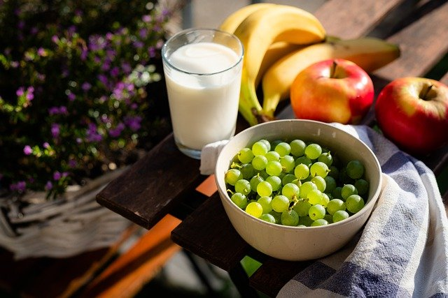Fruits and low fat milk are great for reducing cholesterol and triglyceride in Indian diet