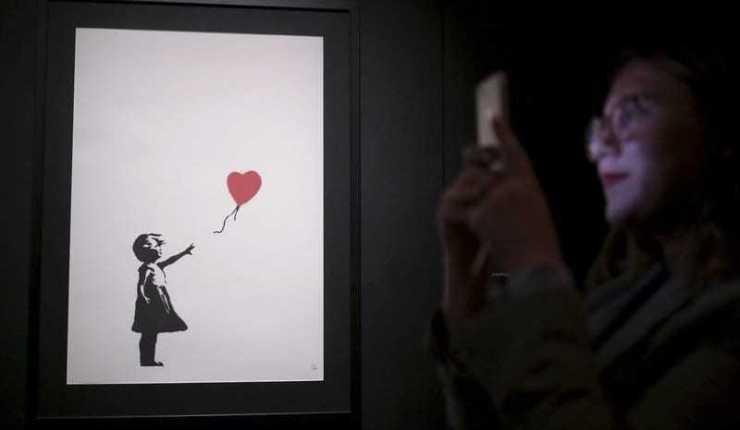 Banksy's self-destructing painting 🎈