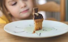 Here are tips to staying metnally grounded when feeding your kids.