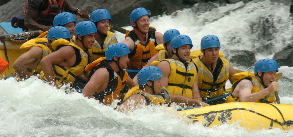 whitewater-rafting-in-Wells-Gray-Park-Clearwater-e1428006518256