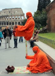 Street performers at the Coliseum
