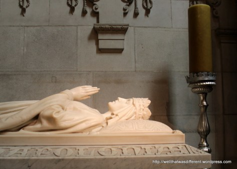 Pretty tomb of a queen--not sure which one