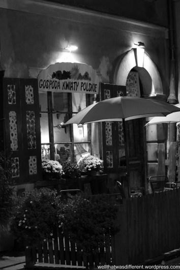 An inviting pub.