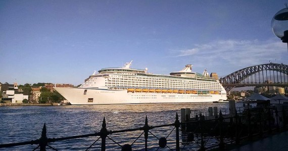 Explorer_of_the_Seas_in_Sydney