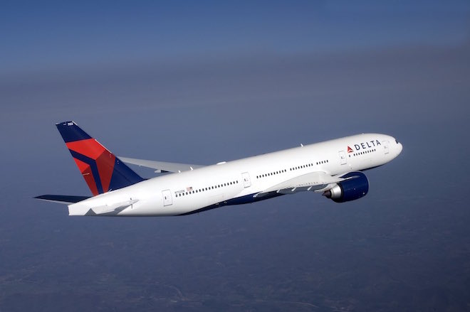 Delta 777-200LR in flight.