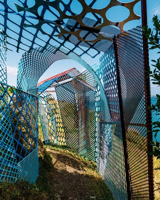 Mesh by Jeff Thomson during 2017 Sculptures on the Gulf.