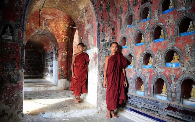 Monks in Pyay - Image Scenic