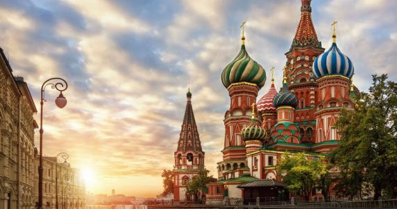 st-basil's-cathedral 800x600 - Image credit Scenic.