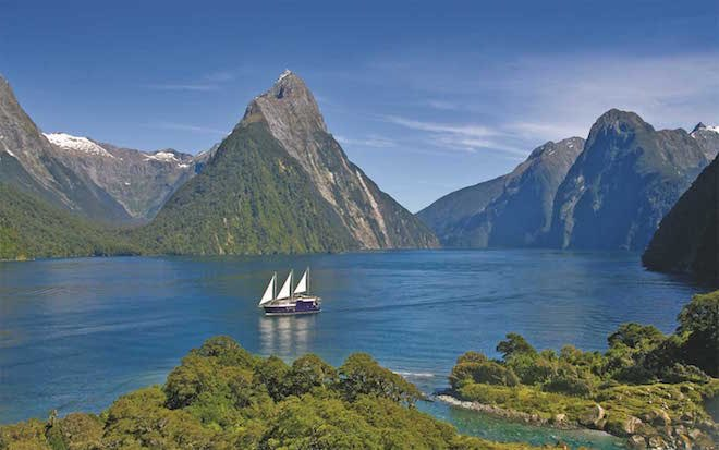Milford Mariner in Milford Sound - Image Scenic