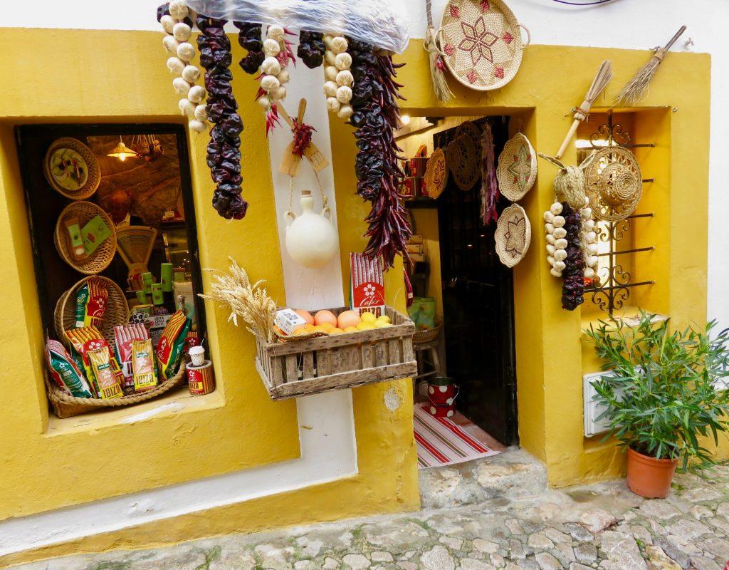 Dalt Vila shopping