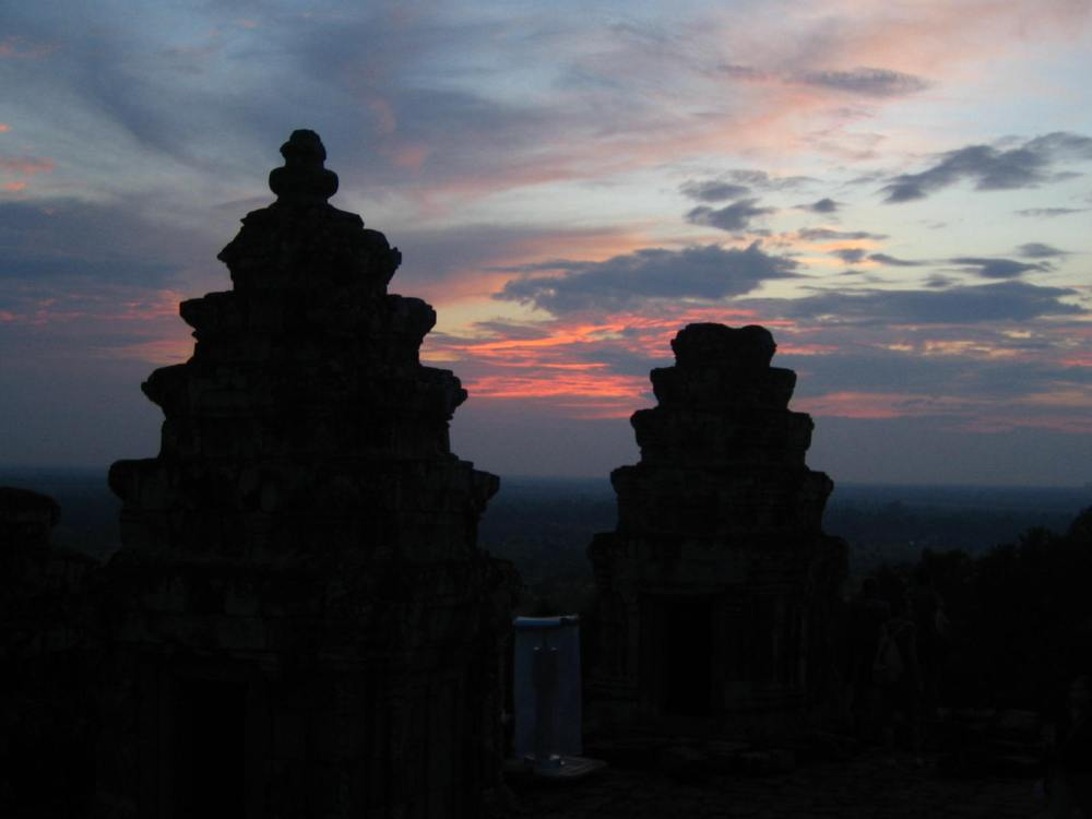 086 - Sunset at the City of Angkor