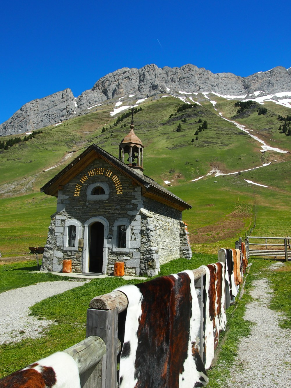 Chapel at the top of col d'aravis