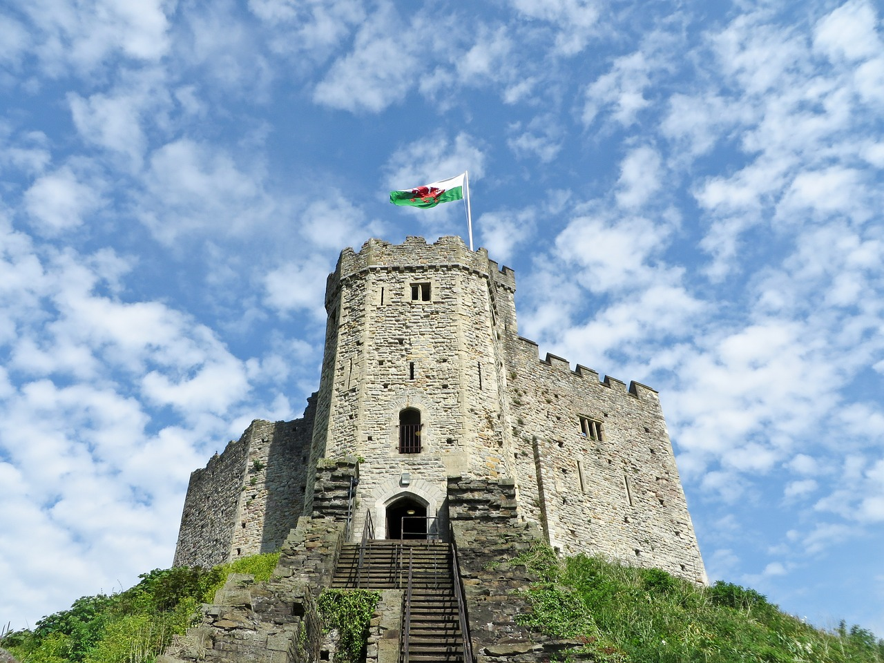 Things to Do in Wales-cardiff-castle